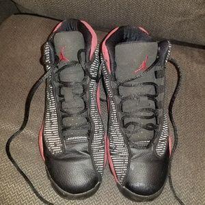 Boy's Jordan 13 Retro Bred size 4Y